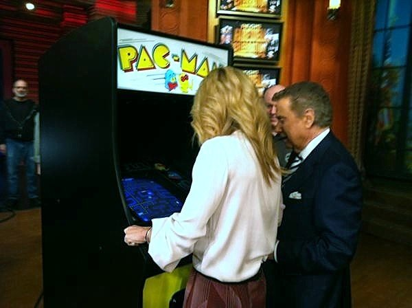 Regis and Kelly playing PacMan